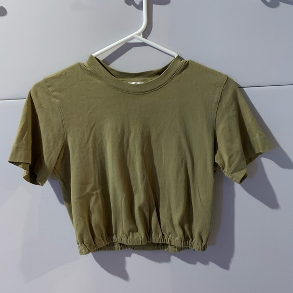 Cropped short sleeve tee from Aritzia